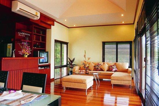 Samui Honey Tara Villa Residence: living room