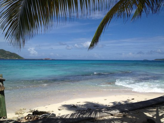 Palm Island Resort & Spa: View to the Tobago Cays