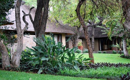Khaya Ndlovu Manor House: Pristine grounds