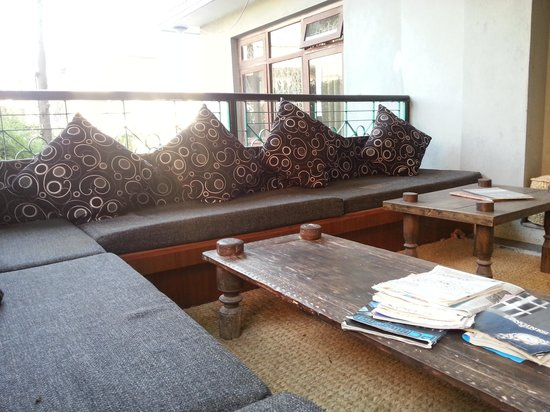 Hotel Ganesh Himal: relaxing area at 2nd floor