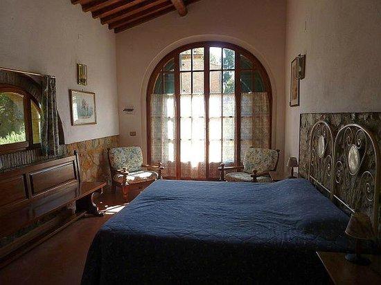 Azienda Agricola il Poggio srl : Schlafzimmer La Casetta