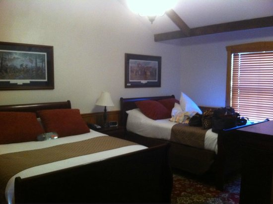 The Lodges at Gettysburg: Bedroom -  View 2