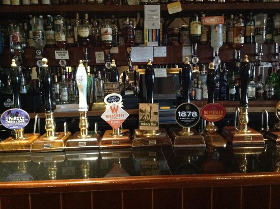 Braeval Hotel : real ale from hand pumps