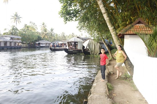 Bamboo Lagoon Backwater Front Resort: Fishing