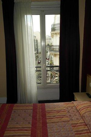 Hotel Altona: Balcone della camera sita al piano quarto