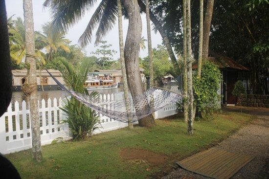 Bamboo Lagoon Backwater Front Resort: Hammock