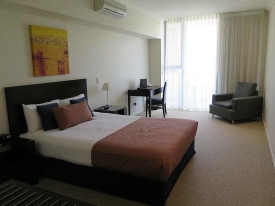 Macquarie Waters Hotel & Apartments: Bedroom