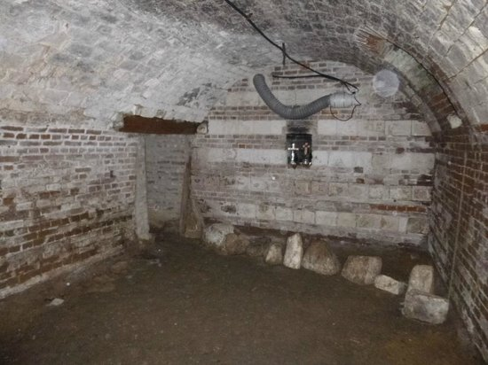 Avril Williams Guest House: Part of the restored cellar under the farmhouse.
