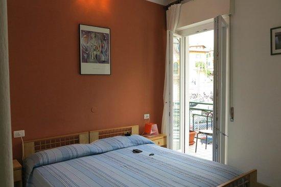 Hotel Alpino: Комната (номер на втором этаже с большим балконом)