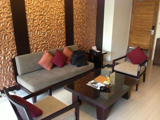 Villa Kayu Raja : The living room downstairs