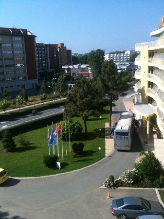 Hotel Andromeda: Вид из окна номера