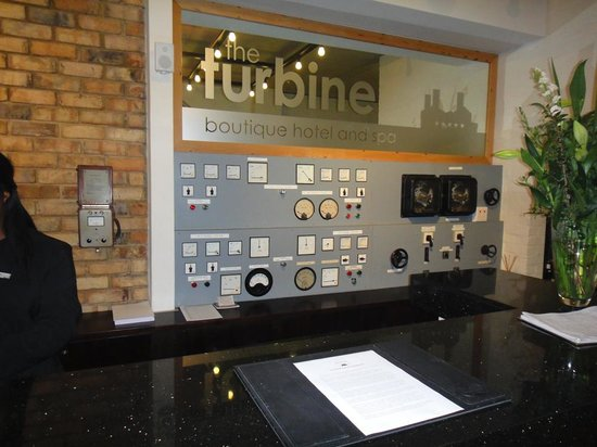 The Turbine Boutique Hotel and Spa: Reception desk
