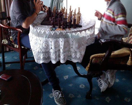 Island Heights Bed & Breakfast: Jugando al ajedrez en la salita de estar