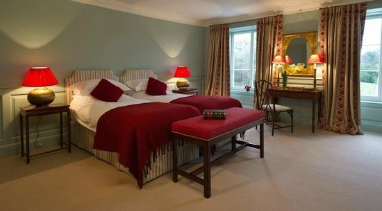Boconnoc House: Recently refurbished bedroom in the main house