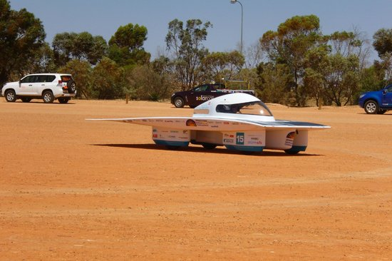 Underground Bed & Breakfast: World Solar Challenge