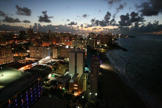 San Juan Marriott Resort & Stellaris Casino: City lights