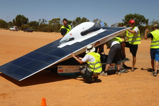 Underground Bed & Breakfast : World Solar Challenge
