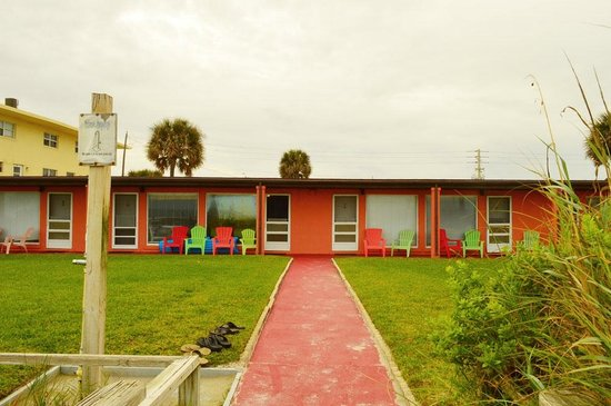 Sea Aire Motel : Room fronts that face the ocean