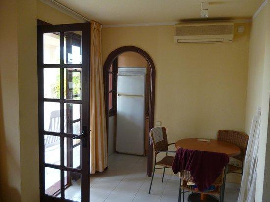 Fuentepark Apartamentos: Dining area