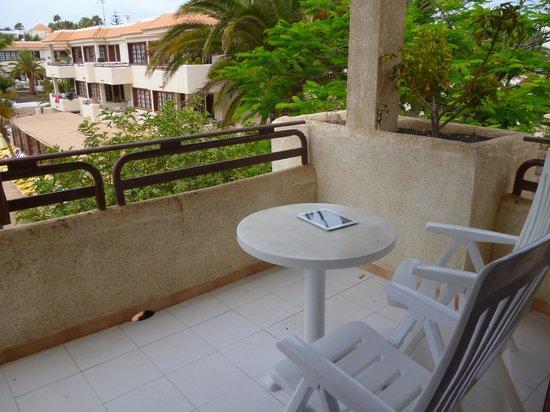 Fuentepark Apartamentos: Balcony with pool view