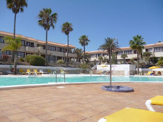 Fuentepark Apartamentos: Pool area