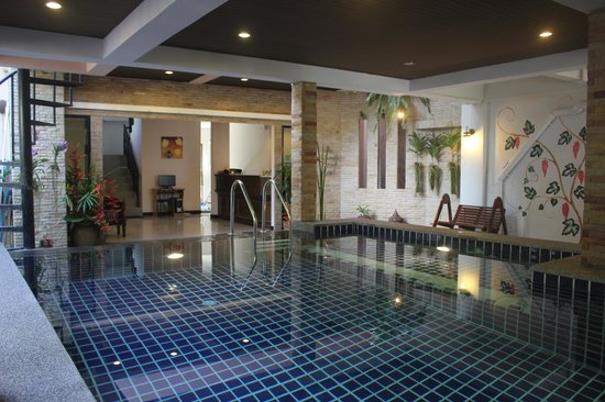 Ice Kamala Beach Hotel: Indoor swimming pool