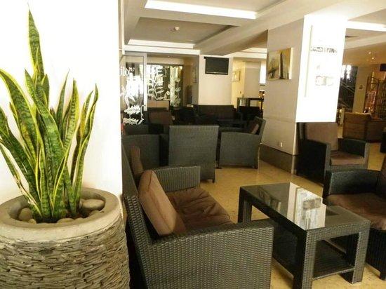 Tropicana Hotel - Lobby