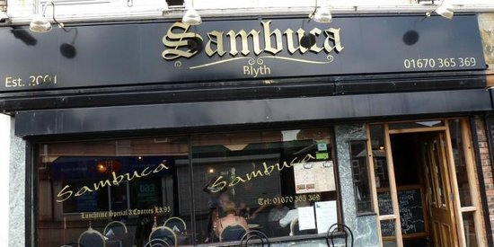 Cafe Sambuca: Look for the sign!