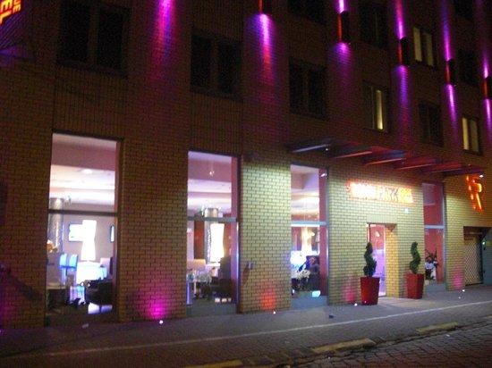 Royal Park Boutique Hotel: Vue de la façade