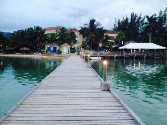 Coyaba Beach Resort: Resort from the dock before one of the theme nights.