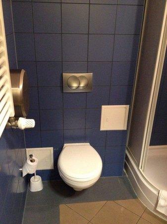 Szkola Floretu Hotel: Туалет