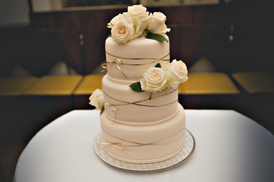 Augustine, a Luxury Collection Hotel, Prague : Wedding cake