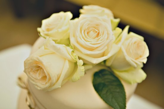 Augustine, a Luxury Collection Hotel, Prague : Wedding cake flowers