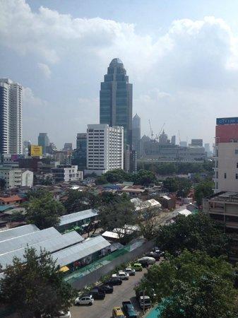Bangkok Palace Hotel : одна из высоток БГК