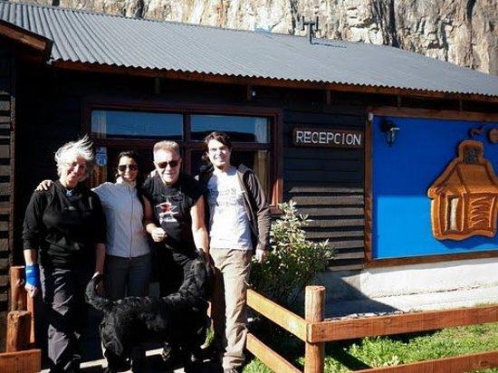Leon Gieco en las Cabañas Cerro Torre con Maria Ines , Veronica y Alfonso.