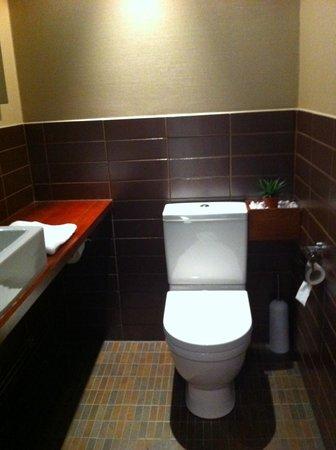 GLO Hotel Kluuvi Helsinki: toilet