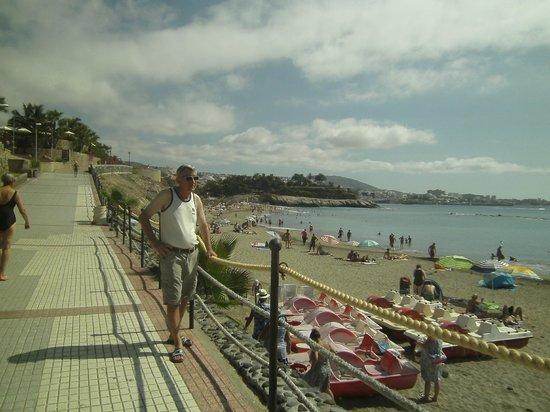 Mijn echtgenoot picture of h10 conquistador playa de - The conquistador tenerife ...