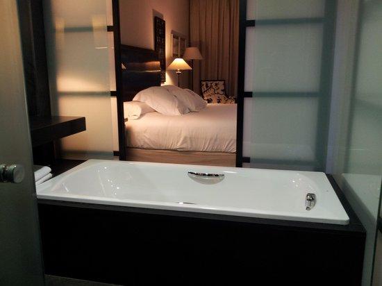 Asia Gardens Hotel & Thai Spa, a Royal Hideaway Hotel: habitacion deluxe