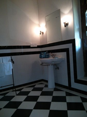 Devi Bhawan : Bathroom