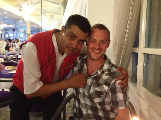 Hôtel Riviera Resort : me with our favourite waiter