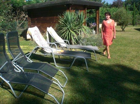 La Lilas des Fargues : Annick dans son jardin