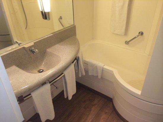 Novotel Brugge Centrum: La salle de bains