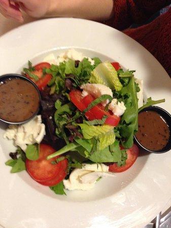 Otto Tomotto's: Mozzerella Salad