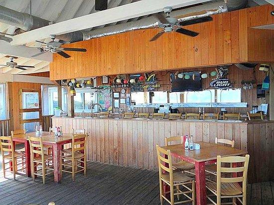 Sears Landing Grill & Boat: outdoor bar