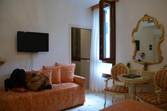 Santa Marina Hotel: Habitación