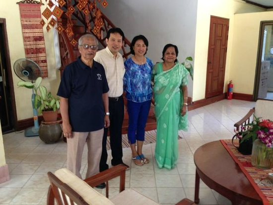 Lakeo Belle Villa: Guests with the Hosts