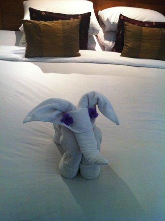 Rama Garden Hotel Bali: More towel art... my fav :D