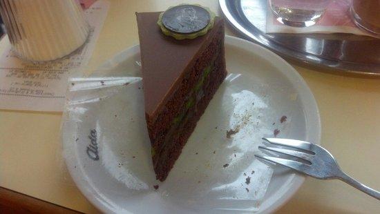 Cafe-Konditorei Aida: Mozart cake