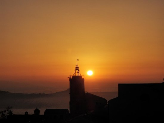 Castello Chiola Hotel: View from our window of the Bell Tower
