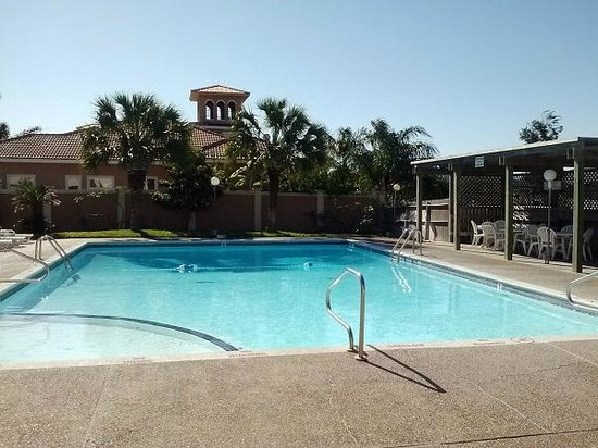 Multi-Resorts at Puente Vista: Outdoor Saltwater Pool